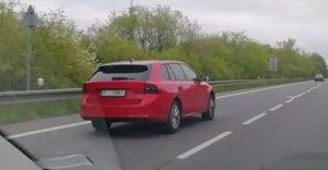 Na českej diaľnici sa podarilo odfotiť Škodu Octavia IV, ktorá príde na trh až o niekoľko mesiacov