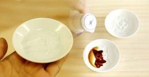 Japonci začali predávať originálne misky, ktoré odkryjú obraz po tom, ako do nich nalejete sójovú omáčku