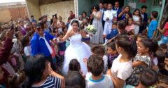 Zahraničný youtuber sa rozhodol navštíviť najväčšiu rómsku osadu v Európe. Ocitol sa na Luniku IX