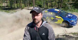 Počas rally pretekov si natočil originálne selfíčko