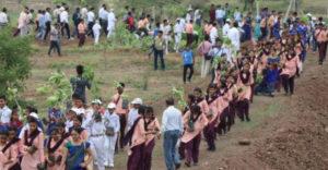 V Indii chcú odvrátiť príchod klimatických zmien a tak vysadili 66 miliónov stromov za 12 hodín