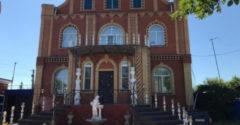 Rómsky vajda predáva svoje luxusné sídlo. Gýčom sa v tomto prípade nešetrilo